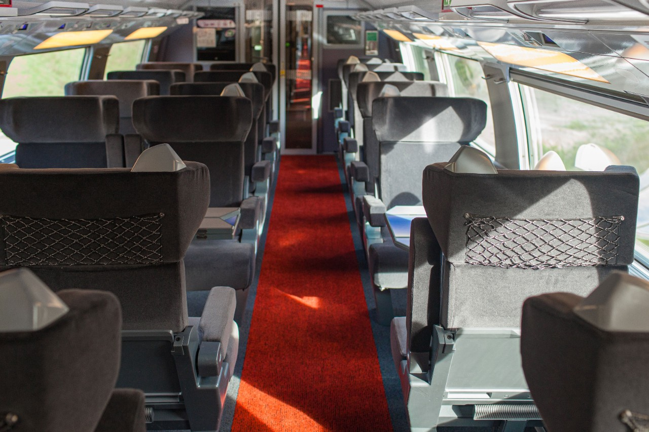 Interior view of STANDARD 1ère & BUSINESS 1ère class on the new TGV Lyria fleet.