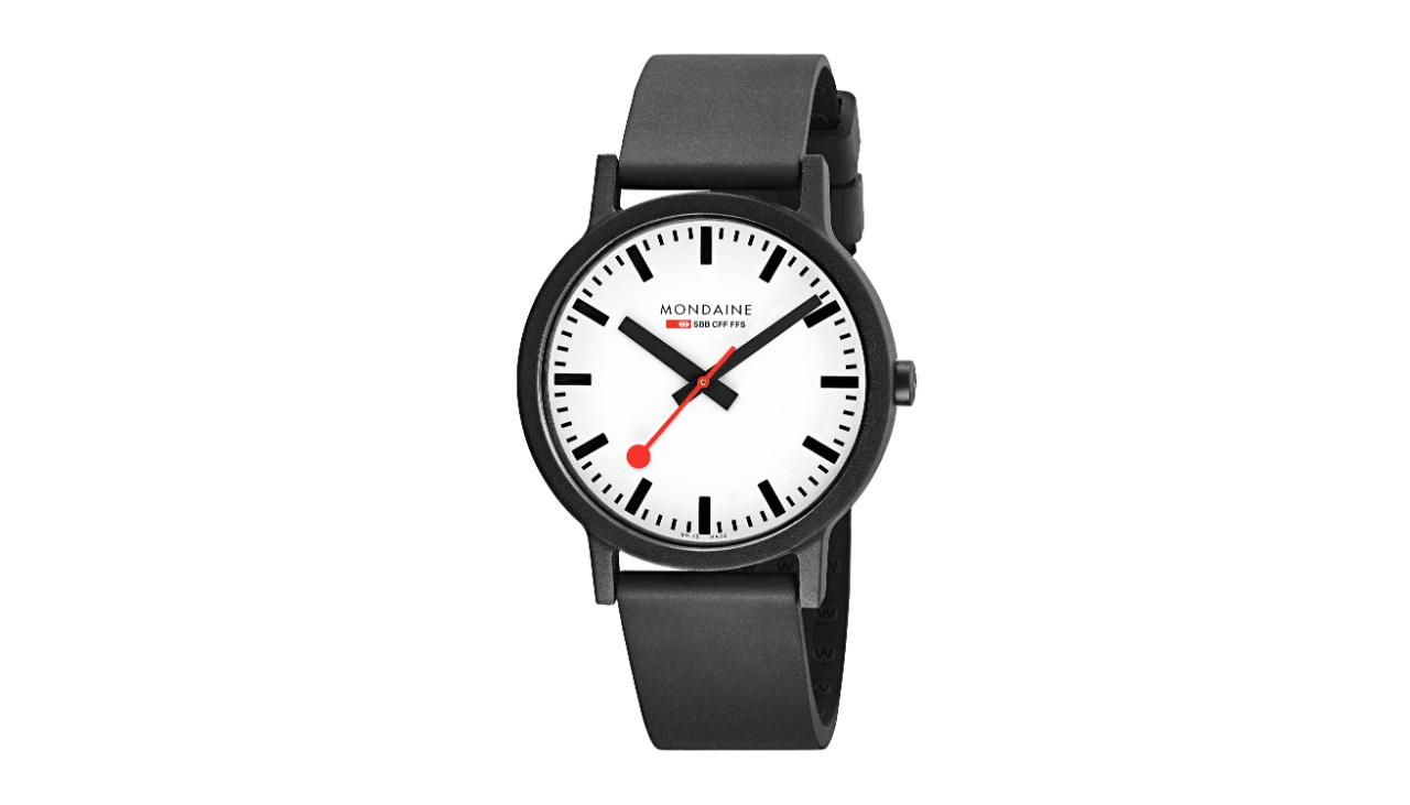 This watch has a white face and a diameter of 41mm. The black strap is 20mm wide.