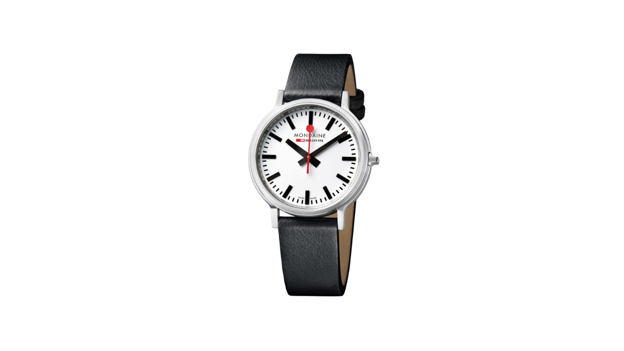 The stop2Go has a classic face measuring 41mm in diameter, with black hour and minute hands and a red second hand, as well as a black leather strap.